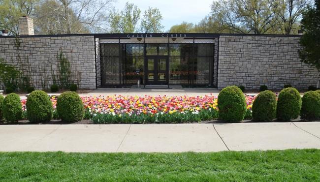 Loose Park Garden Center