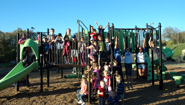 NEWS: 200 KC Volunteers To Build Playground in Six Hours
