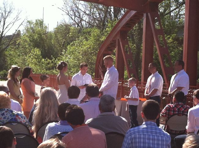 KC Parks Offers Many a Place for Marrying