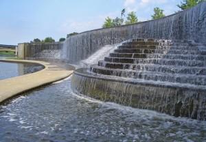 Volker_Fountain_Waterfall_Kansas_City_MO