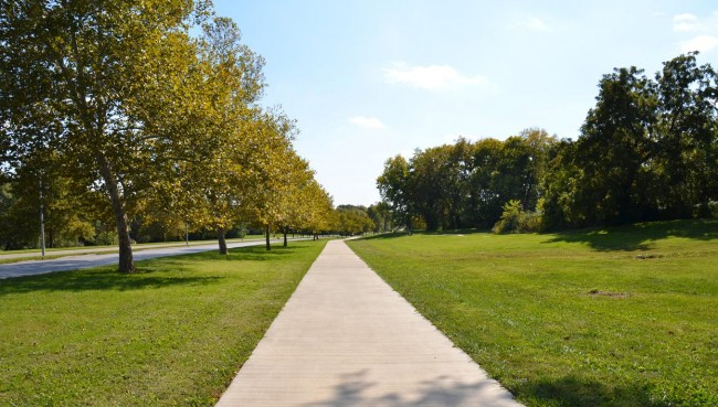 Emanuel Cleaver II Boulevard South Trail