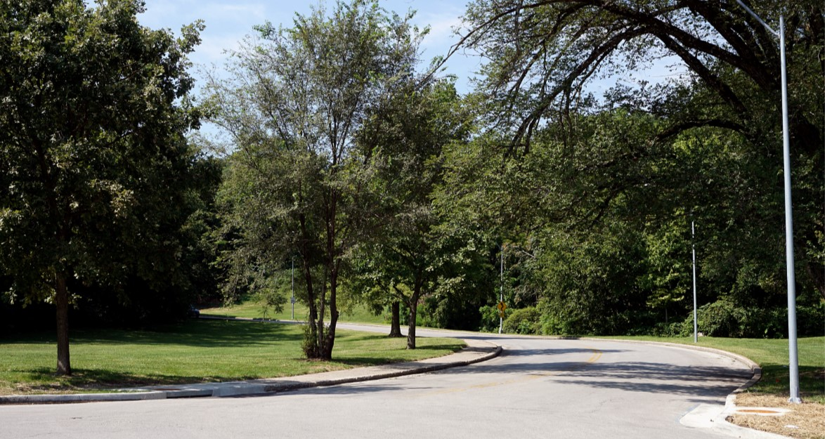 Karnes Boulevard Bikeway