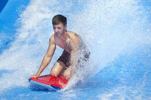 KC Parks Opens New Surf Simulator at The Bay