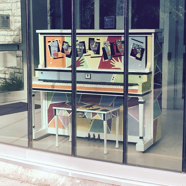 #KCParks is thrilled to be part of Pianos On Parade! Check out the cool piano placed at Westport Roanoke Community Center. Stop by and play for awhile! More pianos still to come~ #PianosOnParadeKC