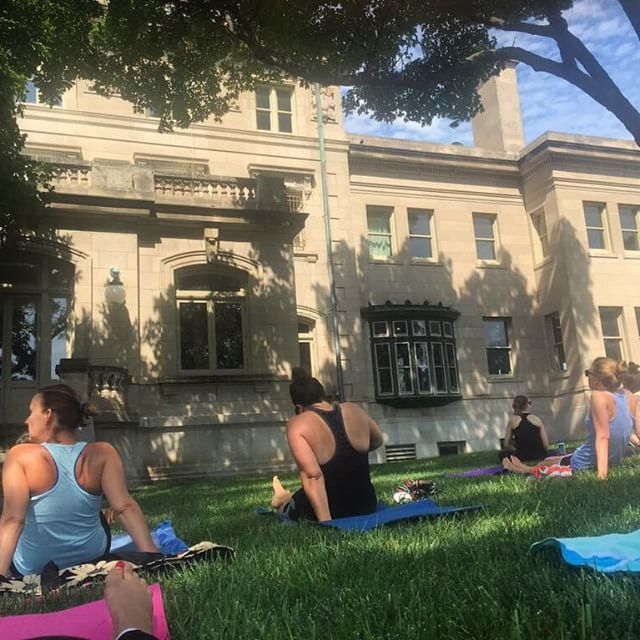 Pop up yoga this morning at the #KCParks Kansas City Museum. #yoga