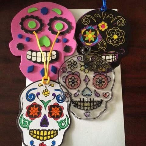Discover the history and cultural traditions of Día de los Muertos this Sunday, 10/23 from 1-4pm at #KCParks Kansas City Museum. In addition to decorating sugar skulls (*while supplies last) and tissue flowers, children can also create: foam sugar skulls, ornaments, sun catchers, or Day of the Dead scratch and reveal! #KCMuseum #dayofthedead #diadelosmuertos
