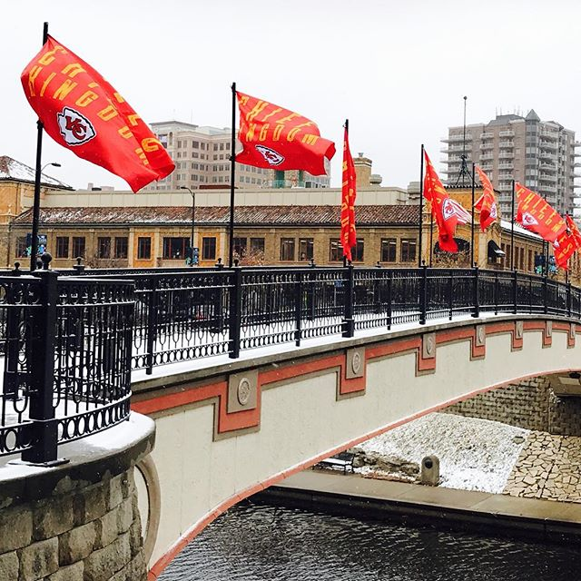 Go Chiefs! Flags flying on #KCParks  Sister Cities Bridge. #KCChiefs #Chiefs #ChiefsKingdom