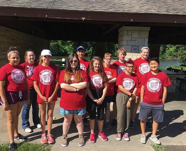 Youth Volunteer Corp. working in Swope Park today. We ️ #KCParks volunteers!