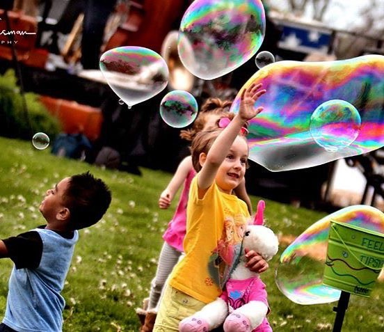 We are so excited to have Grateful Bubbles LLC at this year's #KCBigPicnic. They will be in #KCParks Theis Park from 4:30-6:30pm on Sunday, June 23. Photo by Ruben Gusman. #BigBubbles