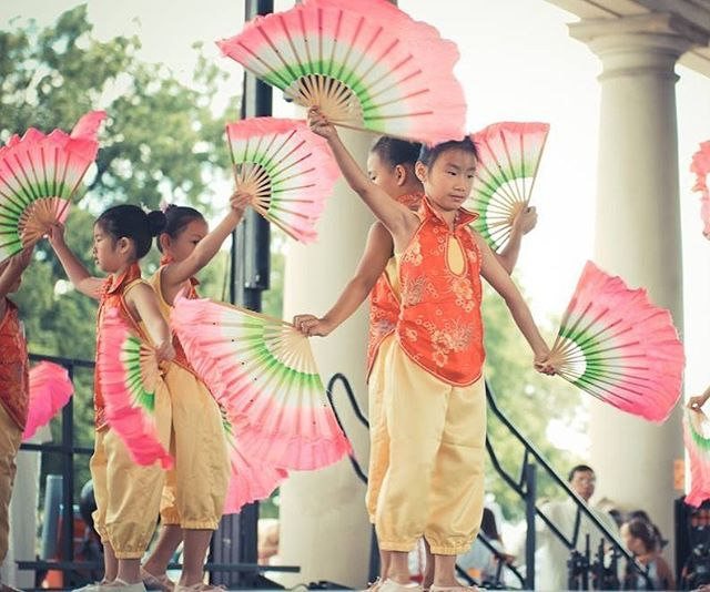 Ethnic Enrichment FestivalFriday, August 18-Sunday, August 20, 2017Swope Park, Meyer Blvd. and Swope ParkwayFriday: 6-10 p.m.Saturday: Noon-10 p.m.Sunday: Noon-6 p.m.Admission: Adults: $5;  12 & Under: FreeParking: FreeFeel the world beat in the heart of America. This event is one of the largest festivals of its kind in the country and features more than 60 different cultures selling their native foods, crafts and performing ethnic music and dances. The festival is held during the third full weekend of August near the front entrance of historic Swope Park. #KCParks 🌮🌯