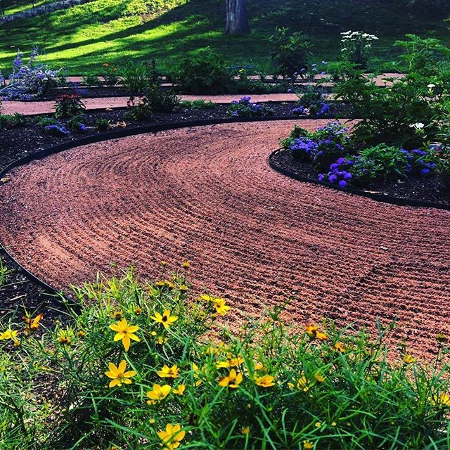 ‪Join #KCParks tonight at 5:30pm for ribbon cutting at new Labyrinth & Butterfly Garden in Hyde Park reception following at Pilgrim Chapel‬.