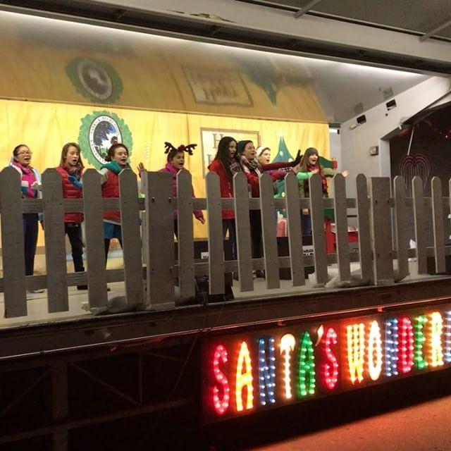 #KCParks #SantasWonderland has begun! Starlight STARS of Tomorrow 