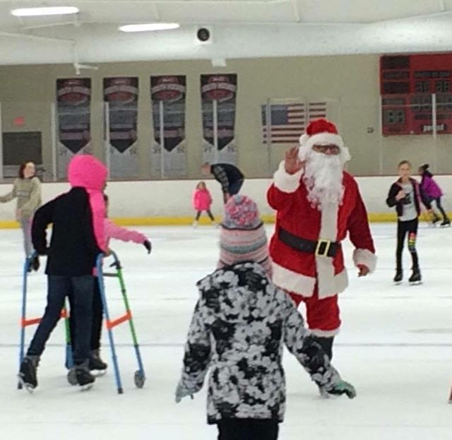 Ice Skate with #Santa tomorrow from 2-4pm at #KCParks Line Creek Ice Arena! ⛸🏻
