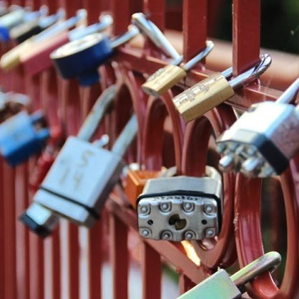 With #ValentinesDay just over a month away, it's time to start thinking about locking your love to the Old Red Bridge in #KCParks Minor Park. You can lock your love anytime, but the area will be lighted from 5-10 p.m. on the Friday and Saturday nights before and after Valentine's Day. Be sure and take a picture and post with the hashtags #kcparks and #redbridgelovelocks. Order a custom lock from @hk_lovelocks @makelovelocks today! #LoveLocks ️