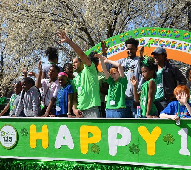 #ThrowbackThursday 2017 #KCParks125 #StPatricksDay Parade. Watch for the #KCParks float in the upcoming @cityofnkc #SnakeSaturday @brooksidekansascity WarmUp and the @kcirishparade #WhereKCPlays #ILoveAParade
