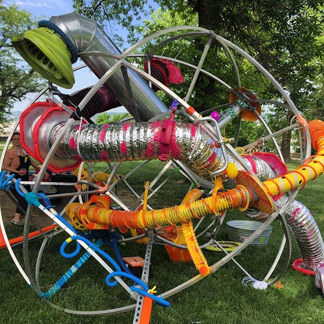 ‪Loving the new #KCPlays  #ArtintheLoop #ArtInThePark piece currently being installed in West Terrace Park! #KCParks #WhereKCPlays‬
