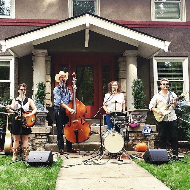 #Free concert in the park this Wednesday evening in West Terrace Park featuring Candice Hill Trio & Cowtown Country Club @artintheloop @kcstreetcar