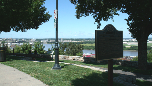 Riverfront Heritage Trail