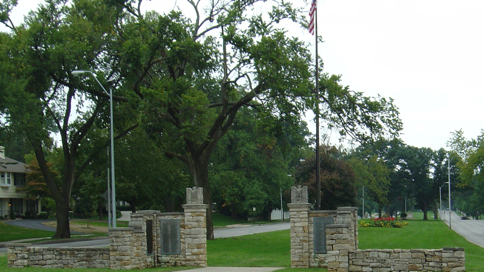 Meyer Circle Gateway & Memorial Avenue Of Trees
