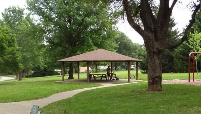Ruskin Way Park Shelter