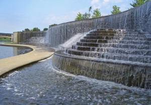 Volker_Fountain_Waterfall_Kansas_City_MO
