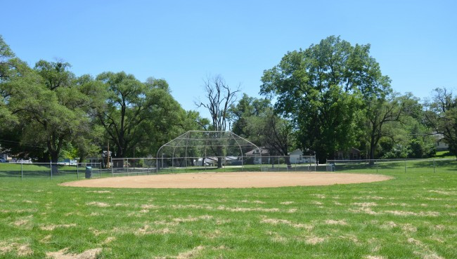 Seven Oaks Parkway Ball Diamonds