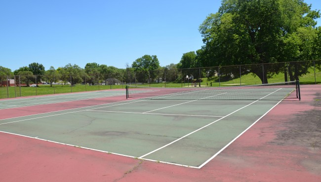 Seven Oaks Park Tennis Courts