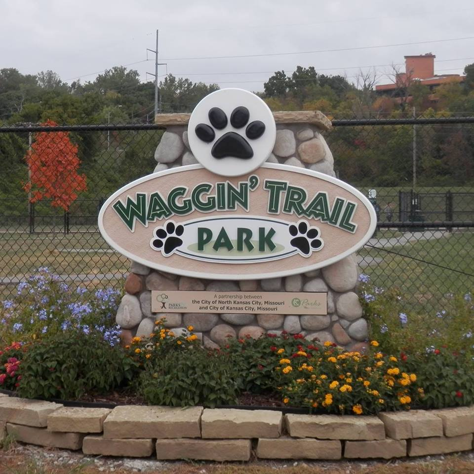 waggin trail sign