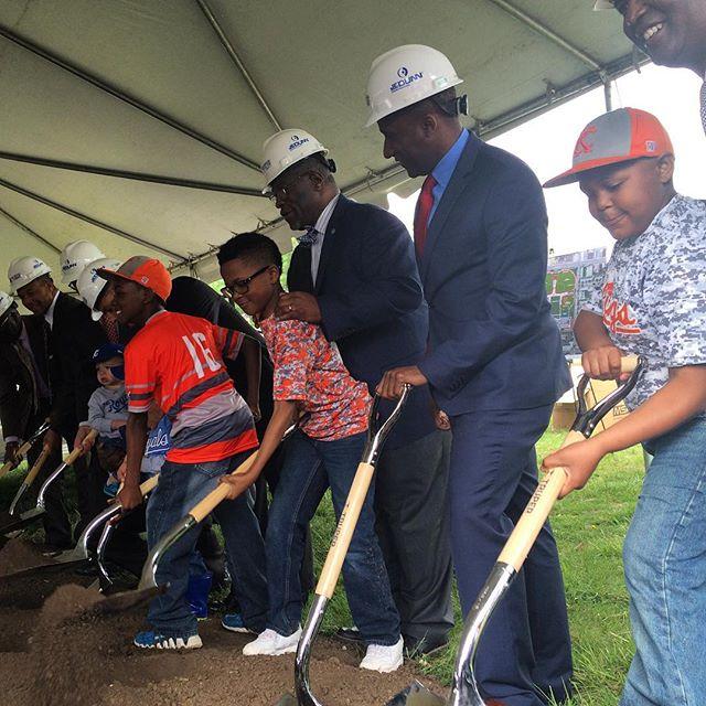 Mayor James, Royals, Major League Baseball Break Ground on $14 Million Kansas City MLB Urban Youth Academy at Parade Park