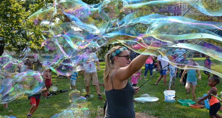 Big Picnic Bubbles