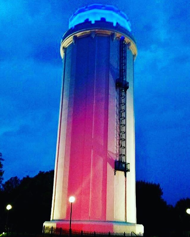 The Waldo Water Tower is lit #redwhiteandblue in honor of #veteransday #KCParks