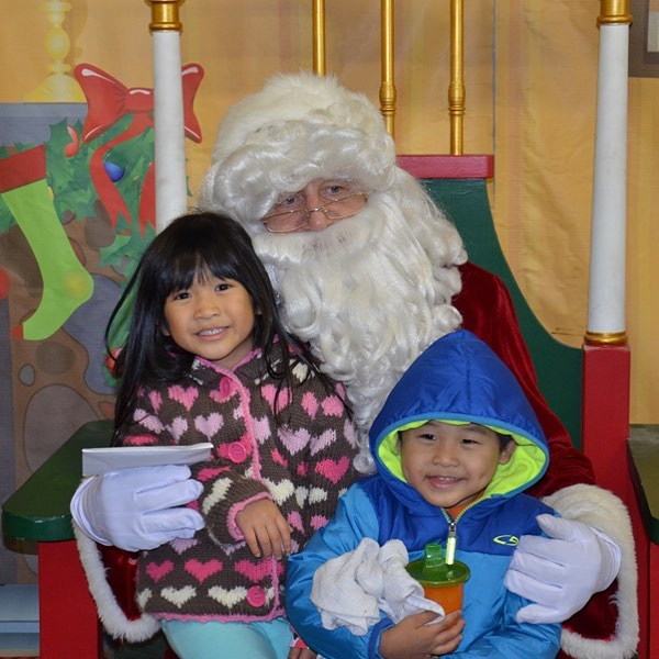 Celebrate the Season with #KCParks! Wonderlands, Fairy Princesses, Gingerbread Houses, Ice Skating and, of course, Santa! Visit KCParks.org for Holiday schedule of events.  🏽  ️ ⛸