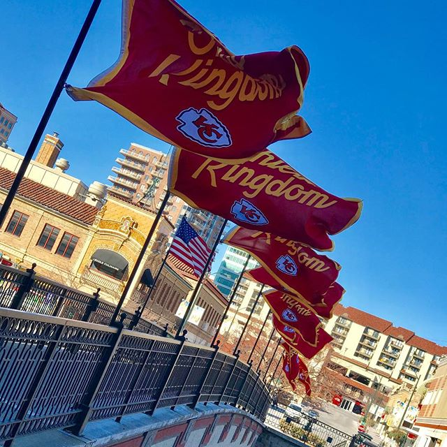 #ChiefsKingdom flags flying on #KCParks Sister Cities Bridge in celebration of our #NFLPlayoffs game tomorrow at #Arrowhead. #RedFriday #GoChiefs #KCChiefs