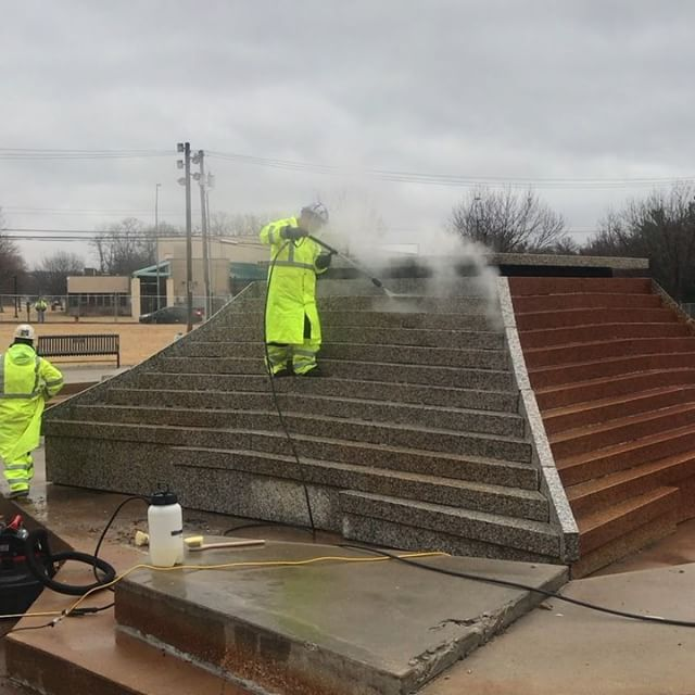 ‪Thanks to #KCMO voters, renovations and repair work continue on #KCParks Spirit of Freedom Fountain. ‬We are excited to have this fountain back in operation for #FountainDay2018 on April 10! #CityOfFountains #GOkc