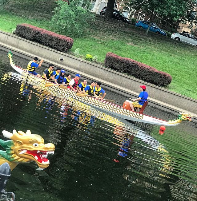 ‪The #DragonBoats are here! Practice rounds now; racing begins at 10am #KCParks #WhereKCPlays‬