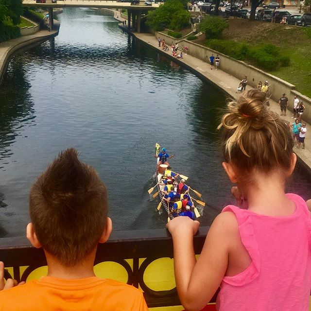 Our biggest fans! #DragonBoats #BlazingPaddles 🐉🚣♀️#KCParks  #WhereKCPlays 