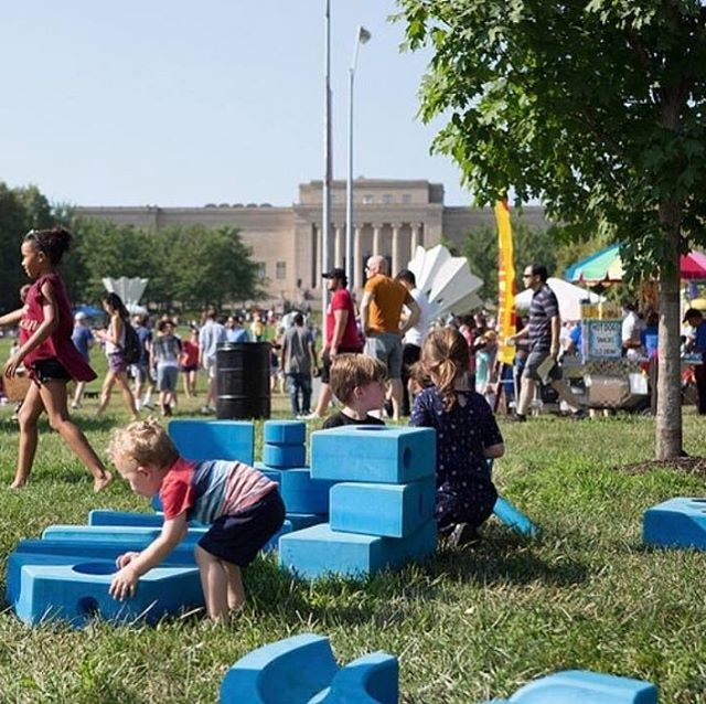 """When you're free, you can play and when you're playing, you become free."" ~Heidi Kaduson#DiscoverJuly #KCParks #WhereKCPlaysPicture via The Nelson-Atkins Museum of Art at #KCBigPicnic #ImaginationPlayground #BigBlueBlocks"