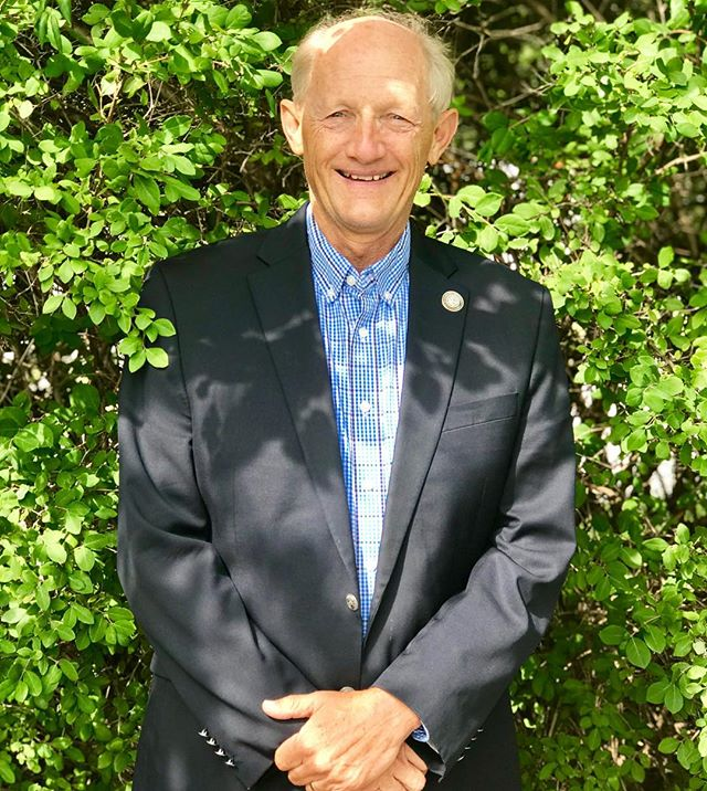 #KCParks Director McHenry to Retire at the end of 2018KC Parks Director Mark McHenry is calling it a career after 44 years with the City of Kansas City, Missouri's Parks and Recreation Department.Highlights of McHenry's career include adding 34 parks, building six more community centers, doubling the size of the zoo, helping create the current World War I Museum at Liberty Memorial, and revitalizing Starlight Theatre.He also modernized the department's operations by increasing resident involvement in park planning, using Citizen Satisfaction Survey data to drive decisions, and updating technology used by employees.In his early years in the department, McHenry remembers repairing fiberglass kangaroos at Penguin Park, and cutting logs for the Shoal Creek Living History Museum. In retirement, he will devote time to cycling even more miles on KC's boulevards and trails, traveling, enjoying more family time and continuing his service on several parks-related boards.More about Mark at kcparks.org.