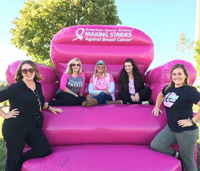 This could be you! #PhotOpp Get your picture taken in the Big Pink Chair tomorrow (10/11) evening at the #FeastOfFountains on The Great Lawn! @#PRRS #CityOfFountains #KCParks