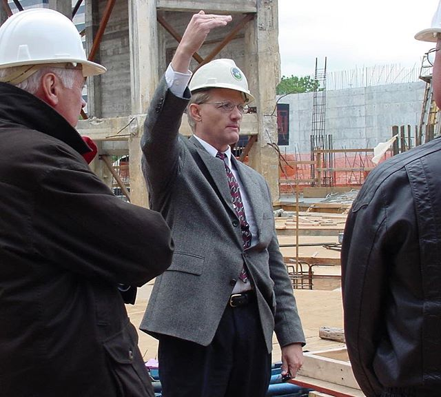 #ThrowbackThursday #KCParks Director Mark L. McHenry, circa 2001, leading a tour of the restoration and expansion of Liberty Memorial in Penn Valley Park. **In honor of his retirement, we are showcasing photos of Mark taken during his 44+ years with KC Parks. Read more About Mark's Career & Memories at kcparks.org #TBT #WhereKCPlays #marksmemory