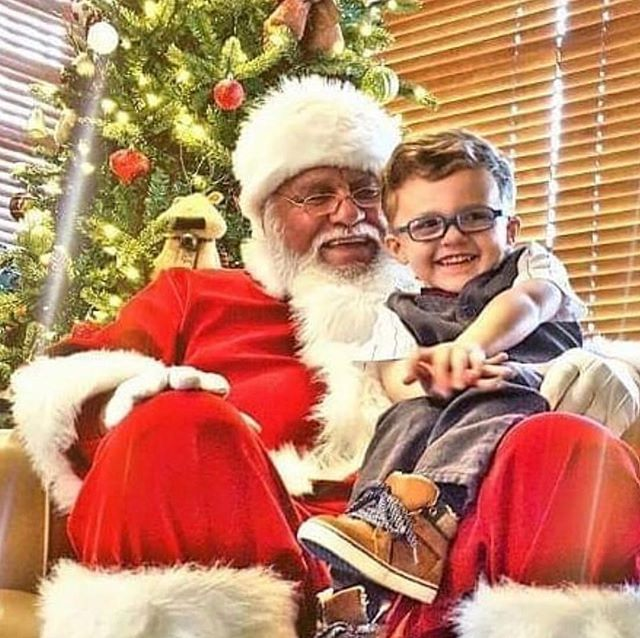 Breakfast with Santa at Shoal Creek Golf Course today until 10:30am! #KCParks #WhereKCPlays