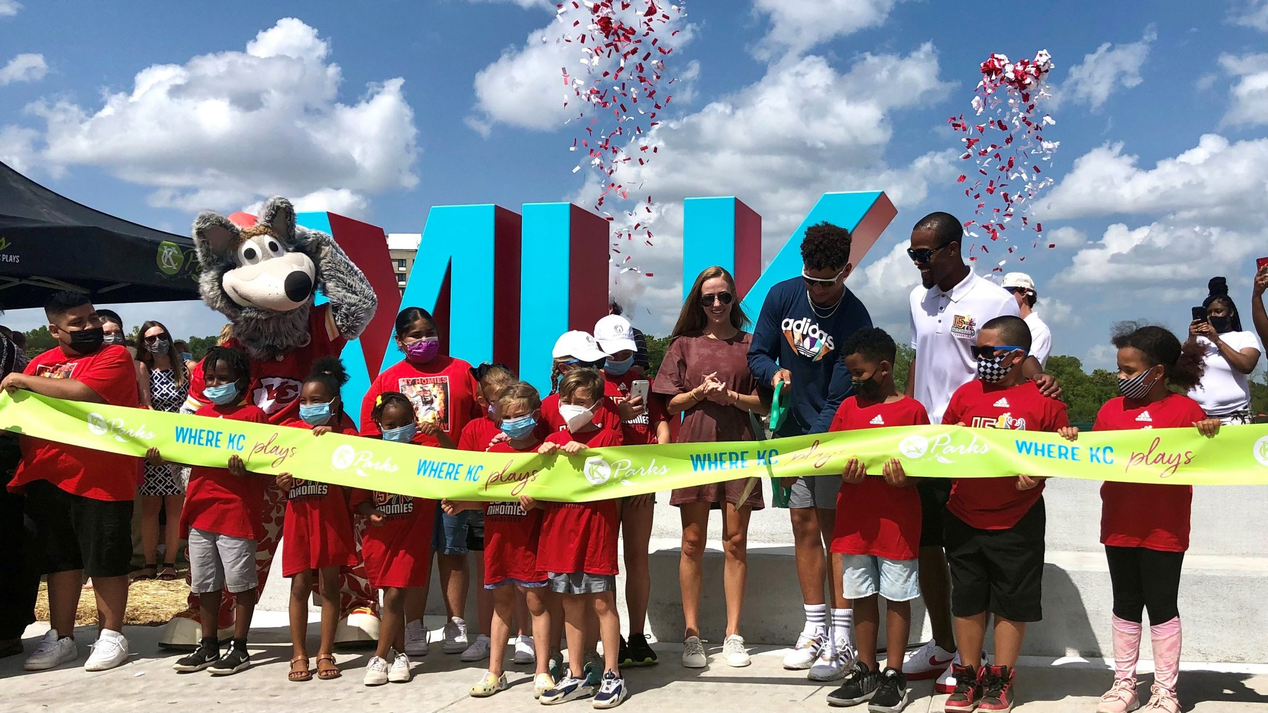 Chiefs MVP Cuts Ribbon for Newest KC Parks Playground!
